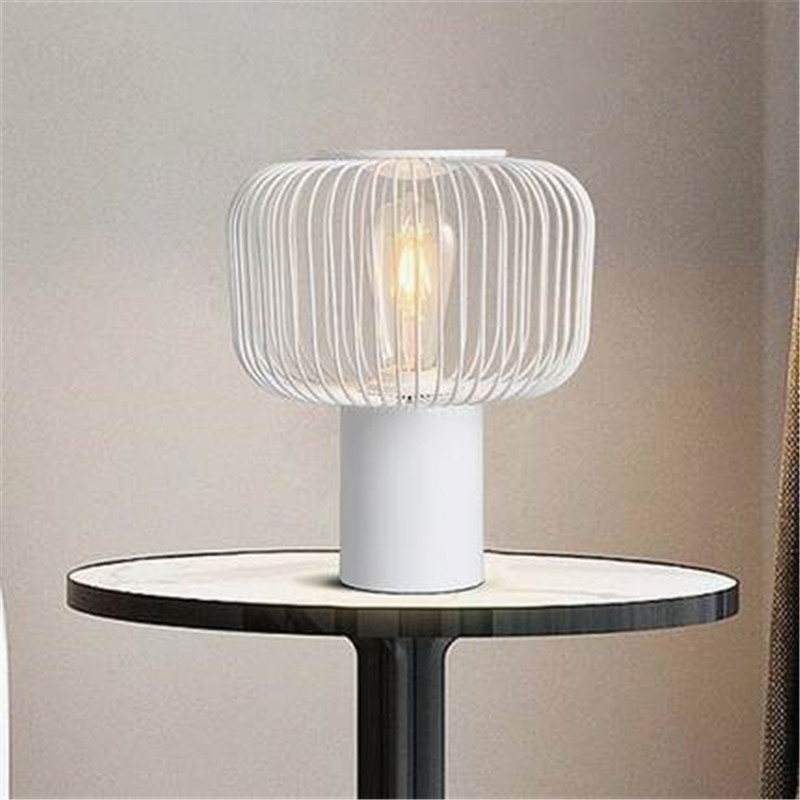 Créatif en fer forgé LED lampe de Table créatif étude chevet bureau lumière Art oiseau Cage décoration Table lumières livraison gratuite