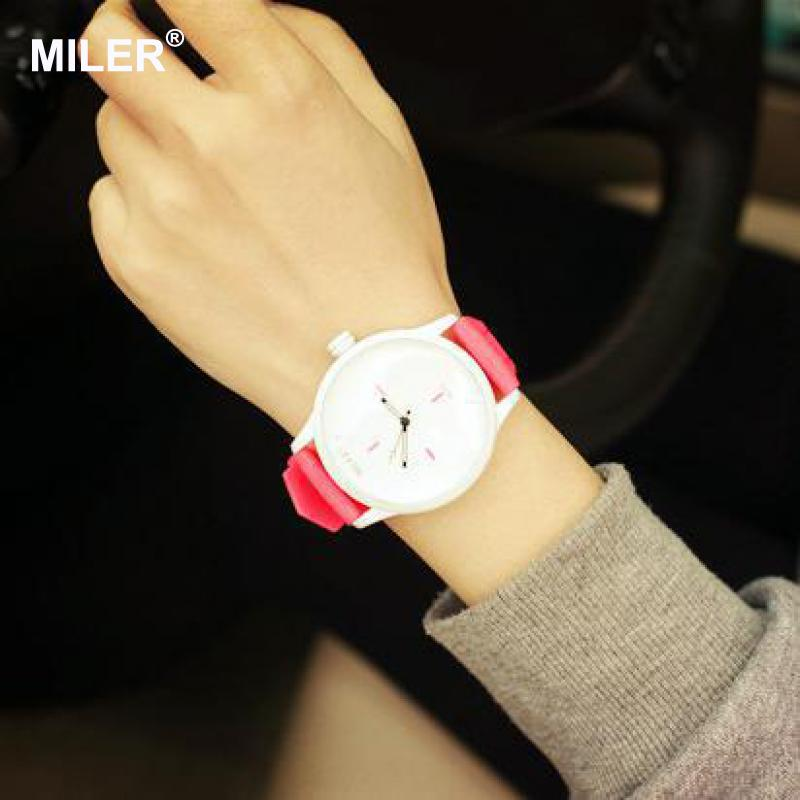 High Quality Fashion Brand Soft Silicone Strap Jelly Quartz Watch - Dameure - Foto 6