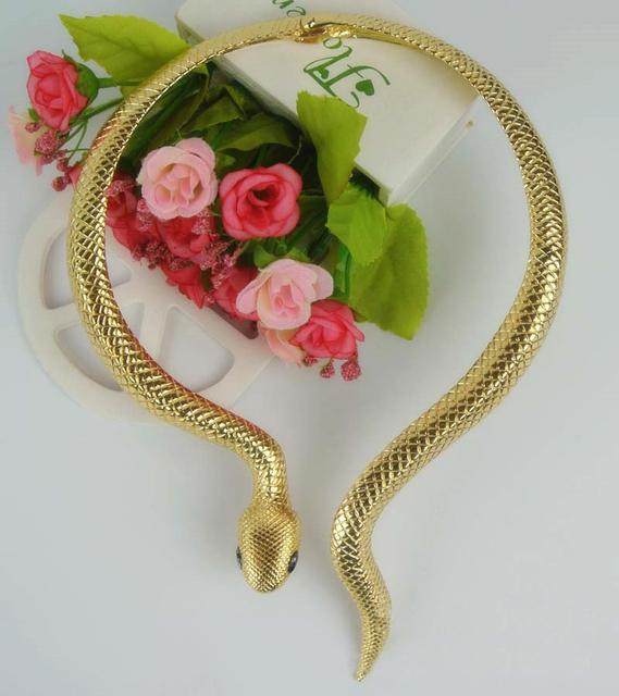 ! Venta caliente Retra Exagerada aleación de primavera personalidad de la moda collar Collares Colgante cadena de clavícula collar de las mujeres de Serpentina