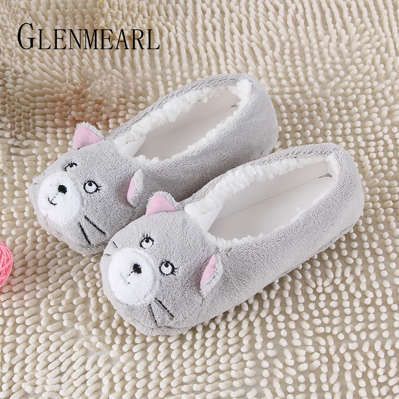 2019 New Warm Flats Soft Sole Donne Pantofole da pavimento / Scarpe Animal Shape White Grey Cows Pink Flanella Home Slippers 6 Color