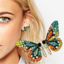 купить Sweet Girls Women Alloy Trendy Butterfly Stud Earrings Super Fairy Earrings Crystal Rhinestone Female Earrings Boho Jewelry по цене 127.37 рублей