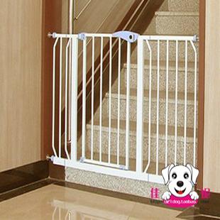 El niño del bebé puerta de seguridad cuna perro puerta de la cerca de la escalera cerca del animal doméstico