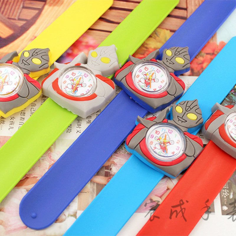 Hot Selling Cartoon On The Table  Silicone Snap Rings  Children Watch  The Girl Boy  Student Quartz Toy Kids Watch