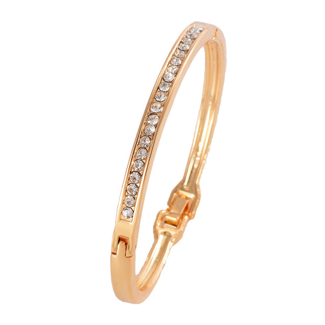 Hot Selling Simple Design Bracelet For Women Delicate Simulated Crystal Decorati