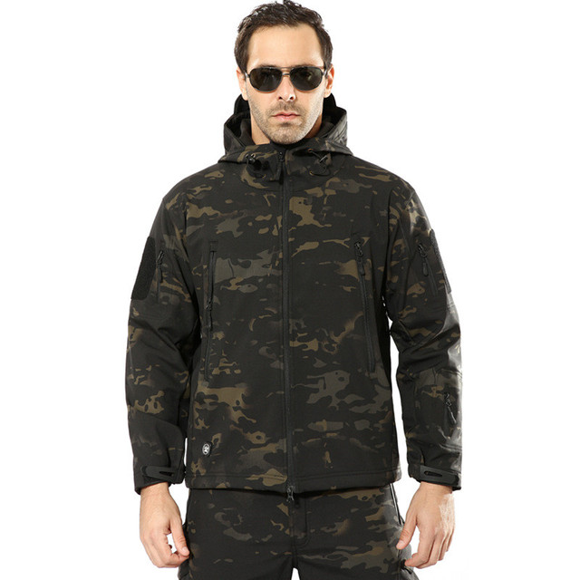 Men's Army Camouflage Jacket and Coat Military Tactical Jacket Winter Waterproof Soft Shell Jackets Windbreaker Hunt Clothes Others Men's Fashion