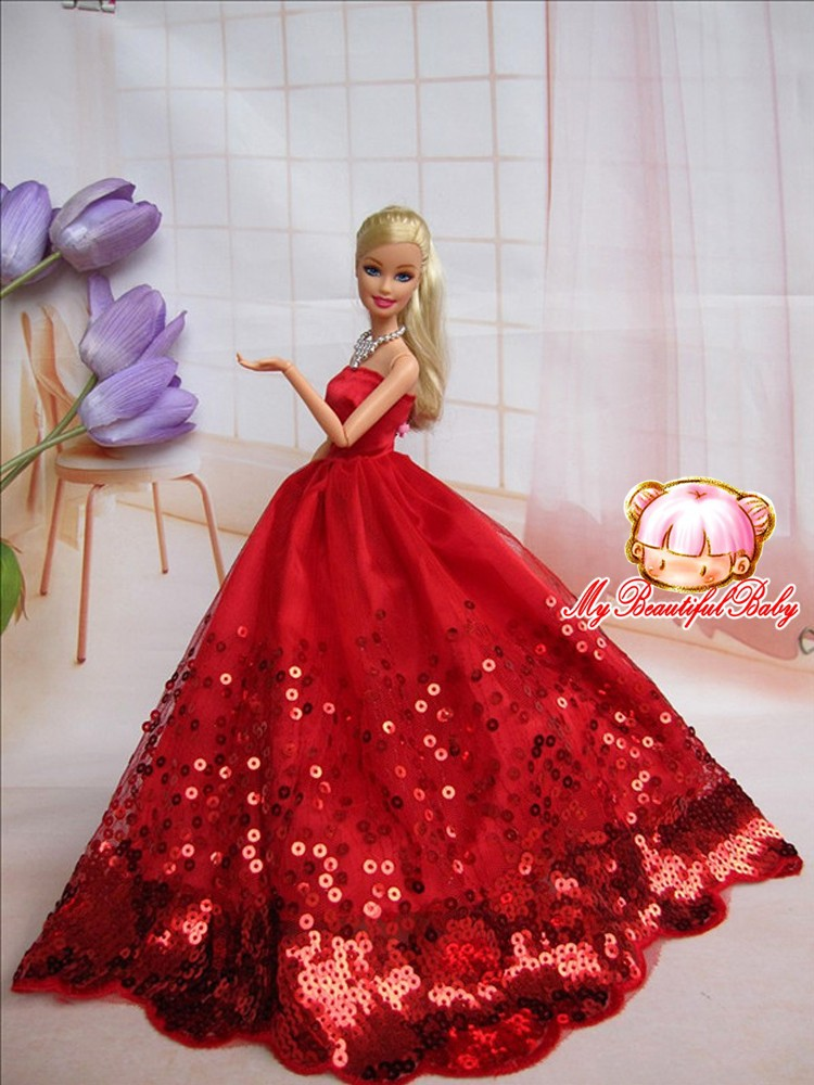 Barbie robe rouge