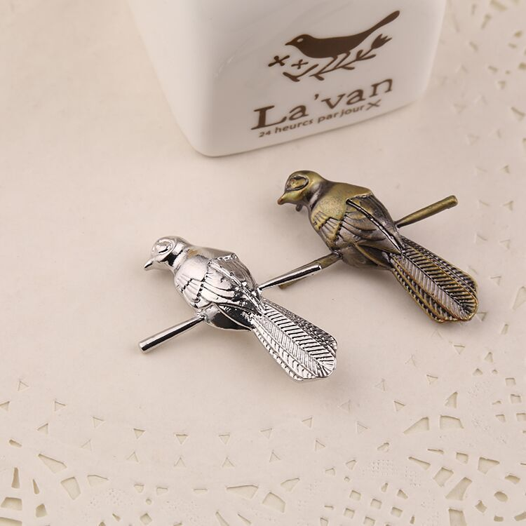 A Song of Ice and Fire Game of Thrones Little Bird Brooch Mockingbird&Petyr Baelish Little Finger Brooch pin