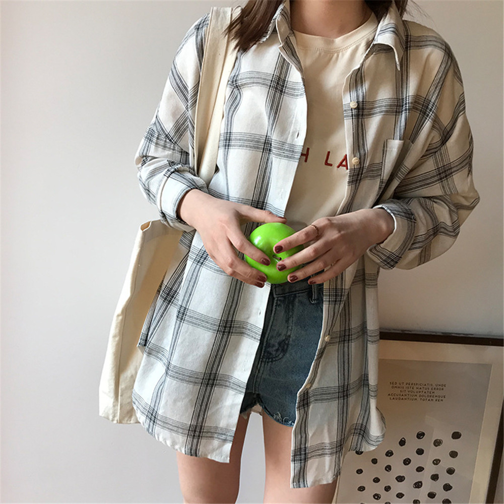 Big Loose women plaid blouses shirts 2018 Women Office Air Conditioner Blouse Shirt Female Outerwear Casual Pocket Shirts (30)