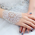 Hot sale Pulseira Bracelets For Women  Luxurious Wedding Accessory Crystal Bridal Bracelet Hand Chain Plated With Shiny