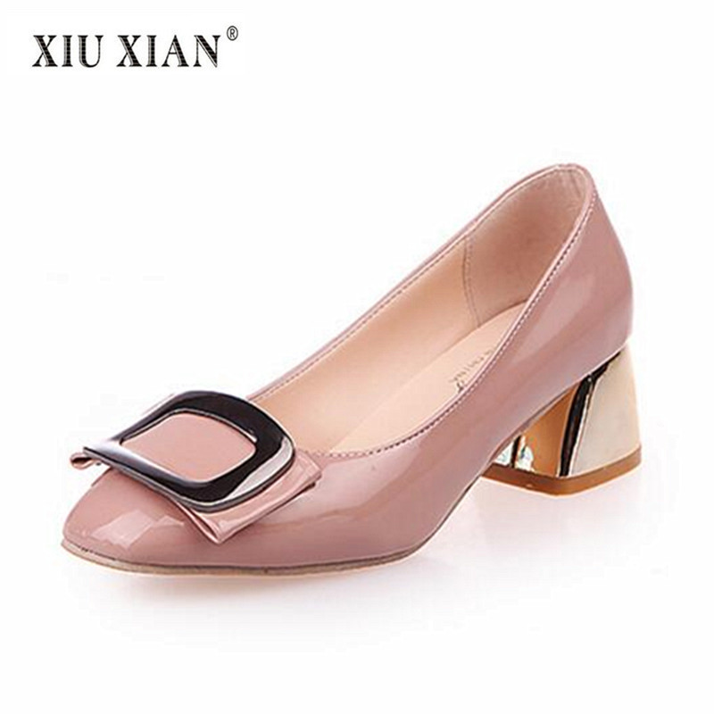 2018 New Arrived Patent Leather Fashion Buckle Women Pumps Thick Mid Heel Shallow Comfort Summer Pumps All-match OL Working Shoe 2018 summer new arrived strap design wedges women sandals peep toe comfort mid heel sexy lady sandal fashion student casual shoe