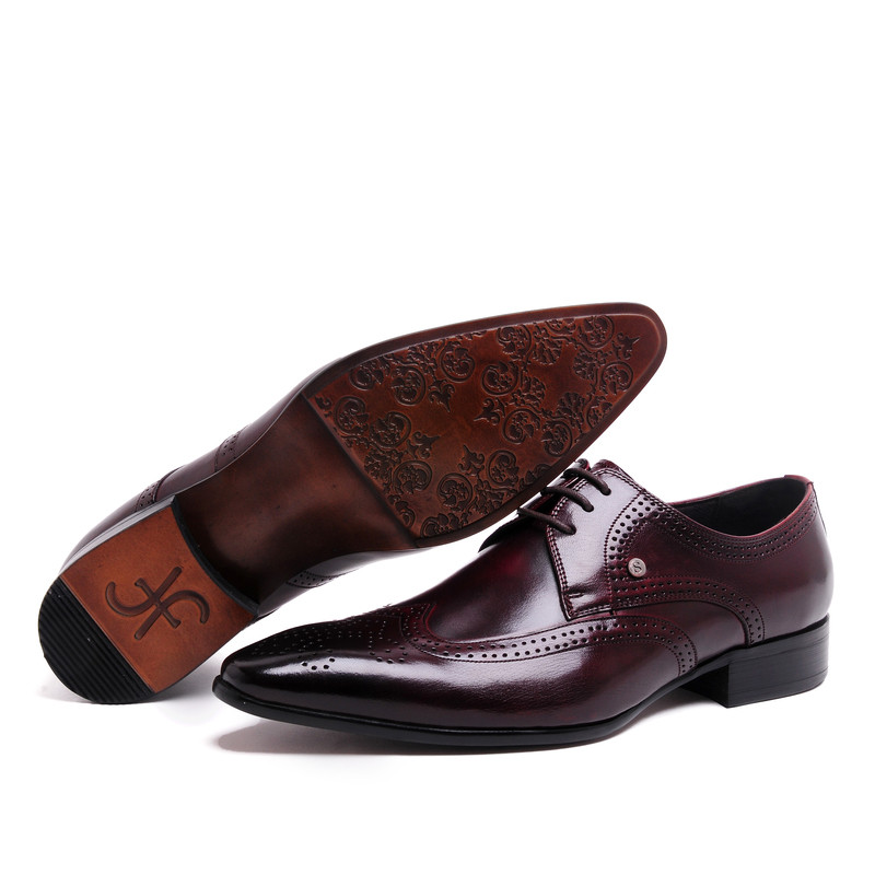ФОТО 2017 Latest Men's Shoes Genuine Leather Brogue Wedding Dress Oxfords Shoes Pointed Toe Solid Color EU37-44 2Colors Lace-Up