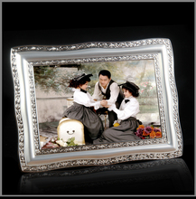 Creative metal photo frame European wall hanging