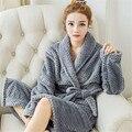 Nova Outono E Inverno de Flanela Sleepwear Grosso Casais Ama Roupões de Banho de Cor Sólida Simples Confortável Roupão de Banho Quente