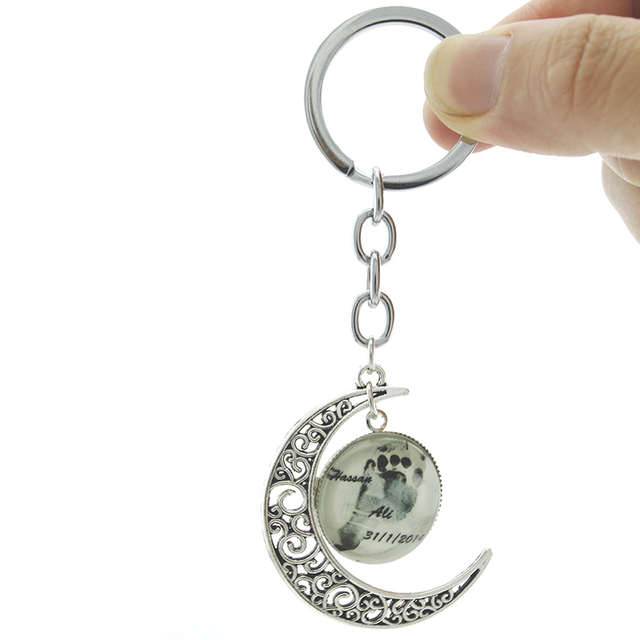 TAFREE Vintage Footprint key chain Personalized Baby Name date custom Moon keychain Dad Mom Keepsake Jewelry For Lovers T395