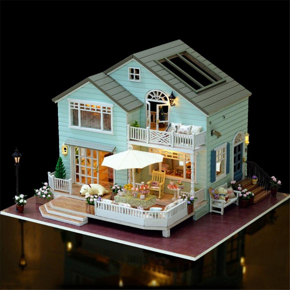 Oyuncaklar ve Hobi Ürünleri'ten Oyuncak Bebek Evleri'de DIY Cottage El Yapımı ahşap bebek evi Yenilikçi doğum günü hediyesi Queen's Town'da  Grup 1