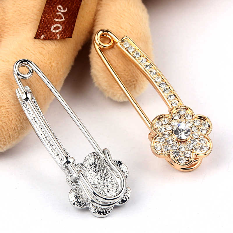SUKI womens broach pins Flower Copper Pins Women Men Denim Jackets Decor Crystal Pave Brooches For Wedding Clothing Jewelry