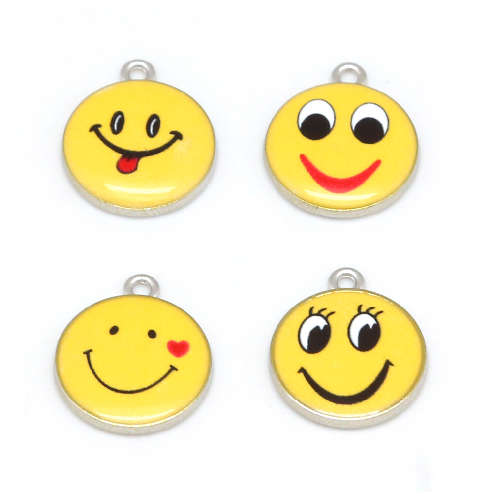2pcs Wholesale Lovely Smiling Face Cartoon Emoji Charm Enamel DIY Bracelet Necklace Pendant Earring Jewelry Making Materials