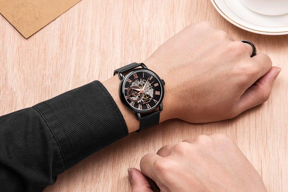 HTB1 inQn1SSBuNjy0Flq6zBpVXai FORSINING Men Watch Top Luxury Brand Fashion Sports Mechanical Watches Mens Business Waterproof Wristwatch Relogio Masculino