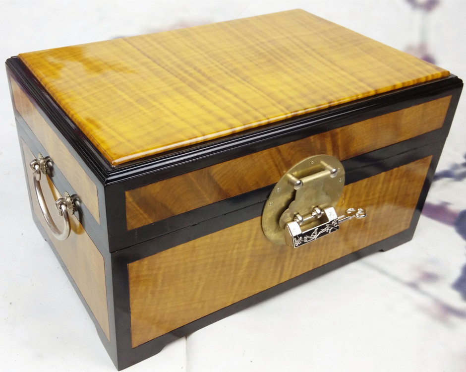 Government gold Phoebe Wooden jewelry box jewelry box red wood carving household ornaments wedding gifts