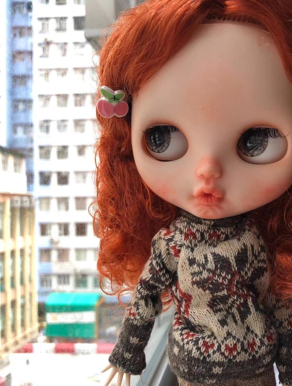Blyhte cambiamento del bambino per il trucco rosso capelli ricci ragazza Esclusi I vestiti.