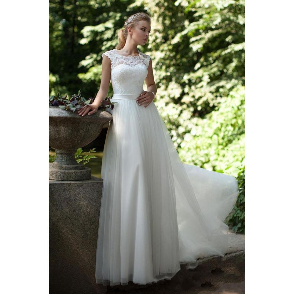 New Arrival Elegant Soft Netting A Line Floor Length Country Garden Wedding Dress Lace Appliques Lace Up Back Bridal Gown