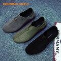 Hombre Mocasín de Los Hombres Respirables Mocasines Planos Del Diseñador de Zapatos de Cuero Suave Zapatos del Barco de La Moda de Lujo Marca Ventas Calientes