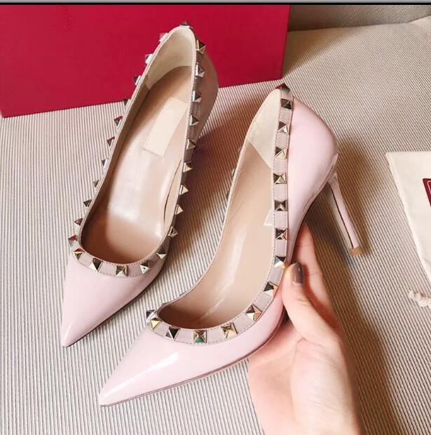 2019 Black Nude V Brand rivet pointed toe pumps 10cm high-heeled shoes thin heels patent leather  single shoes with original box2019 Black Nude V Brand rivet pointed toe pumps 10cm high-heeled shoes thin heels patent leather  single shoes with original box