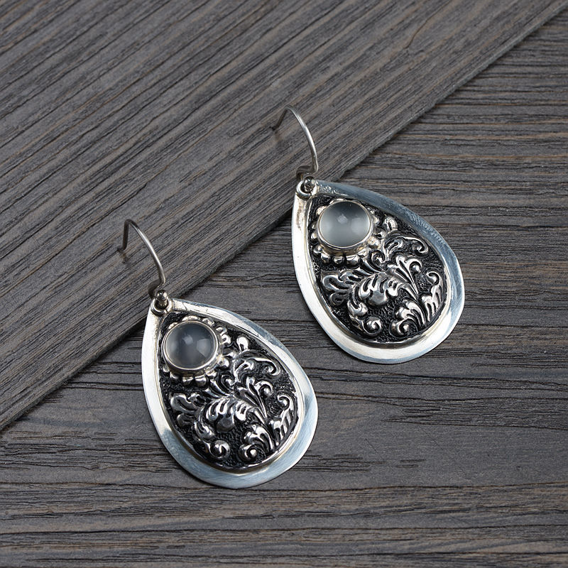 wholesale classical Thai silver restoring ancient ways process inlay moonstone earrings silver ornaments of silverwholesale classical Thai silver restoring ancient ways process inlay moonstone earrings silver ornaments of silver