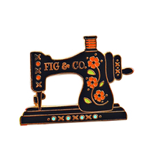 Costura Vintage Pin