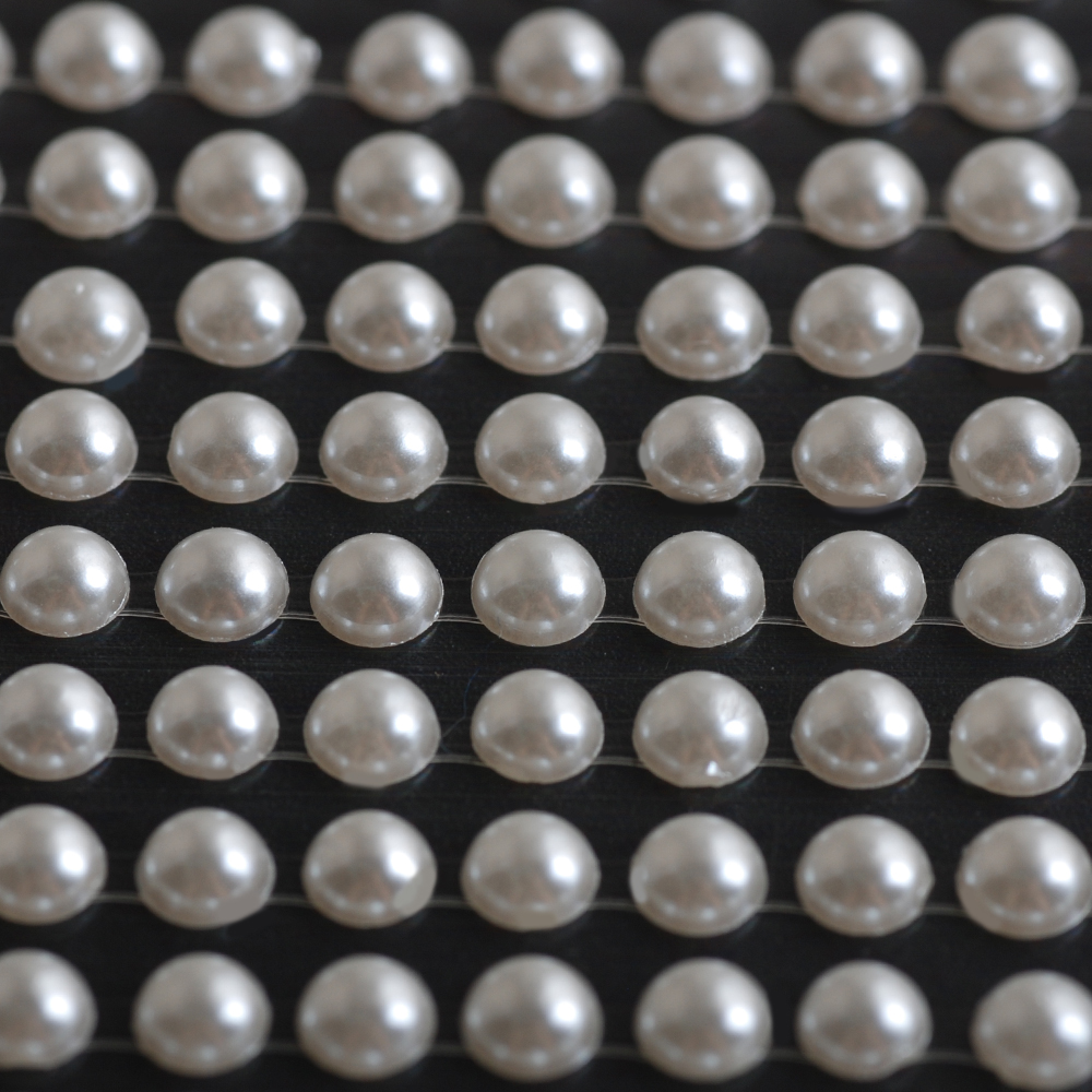 Pearls sheet of 100 Pearl 4MM Self Adhesive Pearl stickers Flat-back