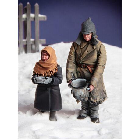 Resina Kits de montagem 1/35 Russo O Jantar, Frente Oriental de crianças Sem Pintura Kit Resina Modelo Frete Grátis