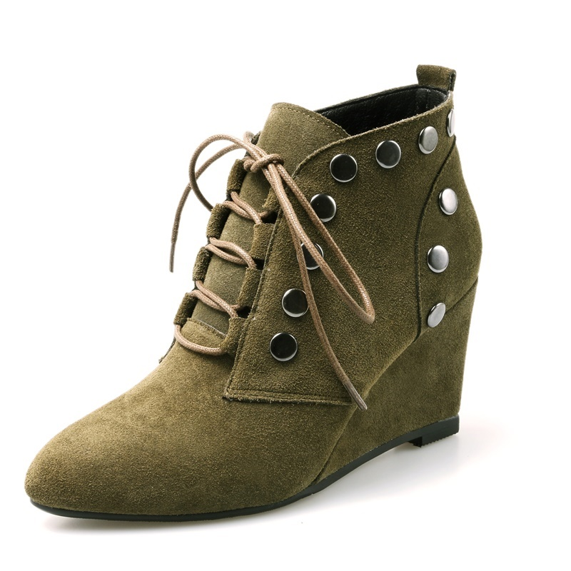 ФОТО Rivets Wedges heels 6 cm woman casual shoes Pointed Toe Nubuck Grain Leather ladies women shoes Comfortable ankle boots