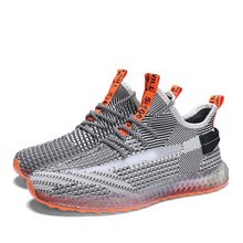 цены на 2019 Men Summer New Tide Running Shoes Youth Trekking Jogging Hight Breathable Mesh Sneakers Non-slip Light Outdoor Sport shoes  в интернет-магазинах