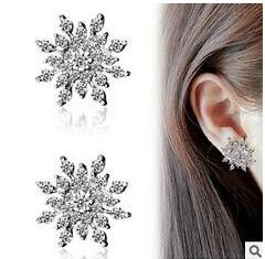 New Design Fashion Brand Good Quality Vintage Snowflake Shape Stud Earrings For Woman Hot Sell Princess Gifts 1327