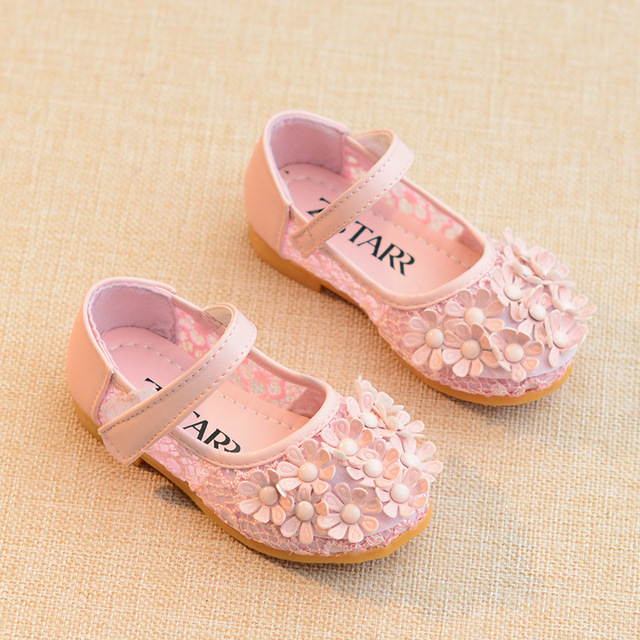 2018 Summer New Girl kids shoes hollowed out flower princess white flat baby sandals Super soft and comfortable 1-8 years old Girl's Shoes