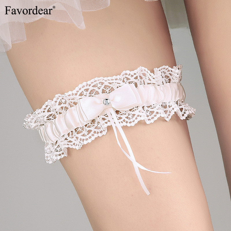 Wedding Accessories Fast Deliver Wedding Gloves 2018 Hot-selling Vintage Lace Bridal Leg Garter With Blue Rhinestones Ivory Appliques Wedding Accessories Fi034 Weddings & Events
