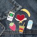 Фрукты Брошь джинсовая юбка нагрудные аксессуары Симпатичные банан клубника игровой автомат пить молоко Pin мальчик Для женщин Бижутерия Подарки - фото