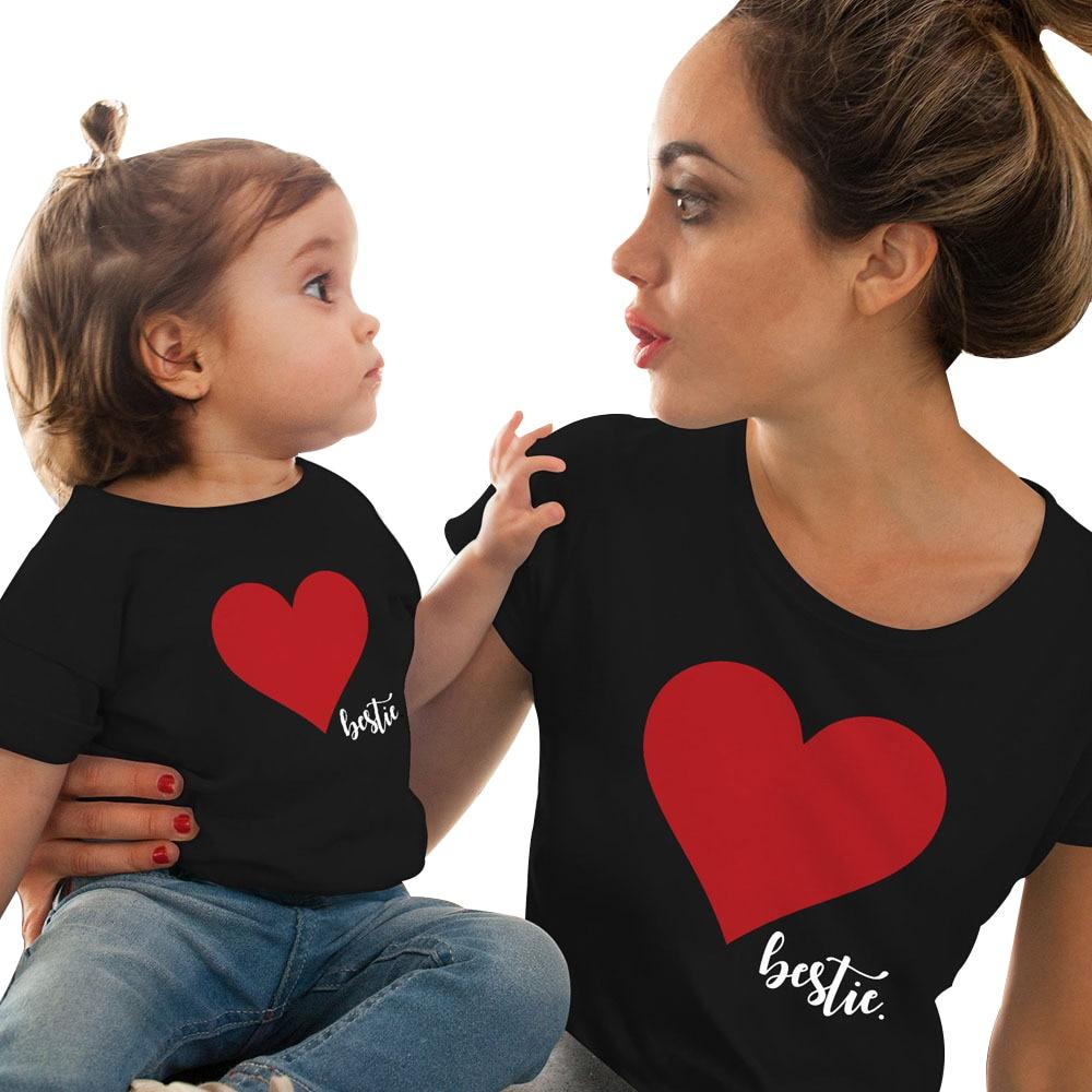 Gourde poupée maman et moi vêtements mère fille correspondant à la famille tenues t-shirt maman enfants bébé filles doux coton coeur impression hauts