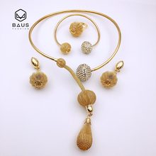BAUS 2018 Top qualità Africana bead jewelry set per le donne del partito accessori vintage enorme moda indiana Dubai insieme dei monili del Regalo(China)