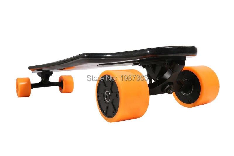 Dual Drive Abgeschlossen Elektrisches Skateboard Longboard Kohlefaser  Deck63mm Hub Motor 90mm Rad 6AH Li Ion