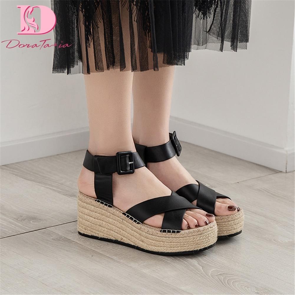 Ayakk.'ten Yüksek Topuklular'de DoraTasia Eğlence yüksek kalite hakiki Deri Kadın Ayakkabı Takozlar Ayakkabı Kadın Andals parti ayakkabıları'da  Grup 1