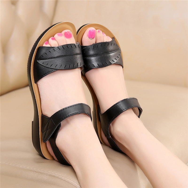 2018 new women sandals genuine leather mother's sandals flat female sandals soft bottom antiskid women sandals plus size 35-41 6