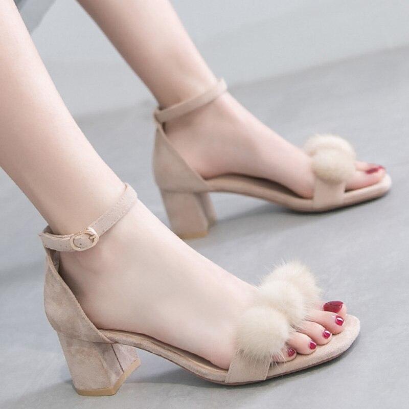 Chaussures d'été pour femmes troupeau sandales Femme grande taille 42-43 boucle couverture talon solide fête Chaussures pour femmes Chaussures Femme