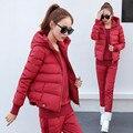 Rojo 2016 de la mujer abrigo de invierno femenina abajo chaqueta una chaqueta con una capucha manteau femme hiver relleno de algodón 3 unidades sólido