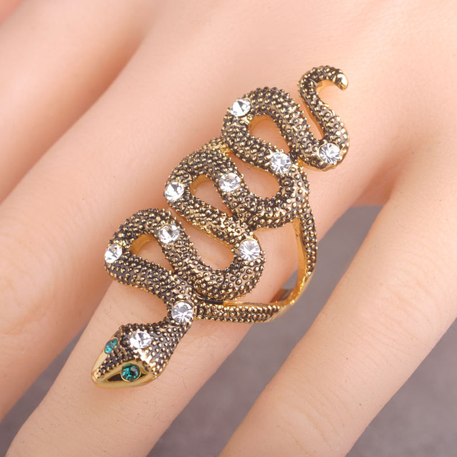 Unquie Design Snake Shaped Rings Animal Finger Rings For Women With Green Eyes Bague Punk Vintage Party Jewelry Anel Feminino