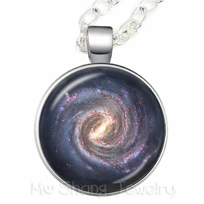 Docteur qui ne clignote pas collier en verre Cabochon chandail chaîne bijoux pour bons amis cadeau porte-clés Souvenirs cadeau