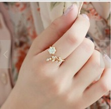2017 new hot Twisted Midi Finger Champagne Rhinestone Leaves Wishful Opening Ring Flower Accessories Free Shipping