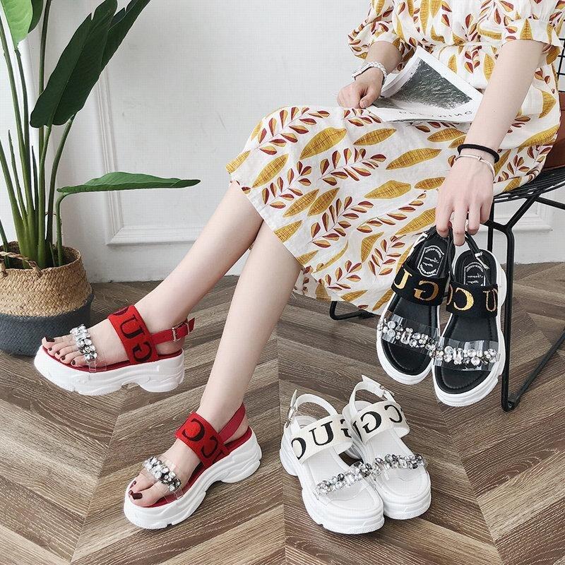 2019 nueva moda casual red sandalias romanas femeninas esponja pastel suave gruesa playa sandalias y zapatillas uso salvaje sandalias-in Sandalias de mujer from zapatos    1