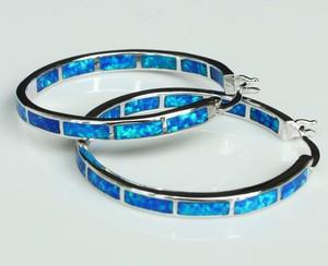 Image 1 - Big blue/white fire opal oorringen voor vrouwen 32mm een diameter van