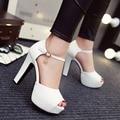 2016 nueva sexy tacones altos sandalias mujeres bombas peep toe zapatos de plataforma zapatos de boda de marfil de las mujeres tacones zapatos de noche